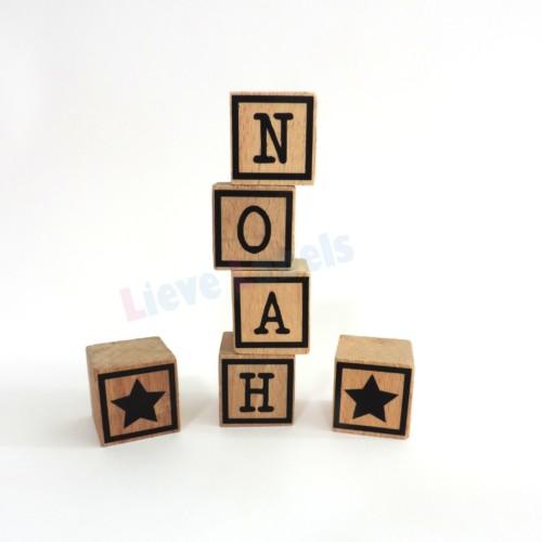 Houten naamblokjes